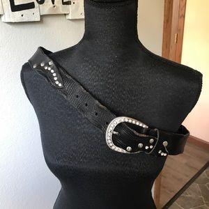 Accessories - 〰️Unique Black Leather belt with rhinestones
